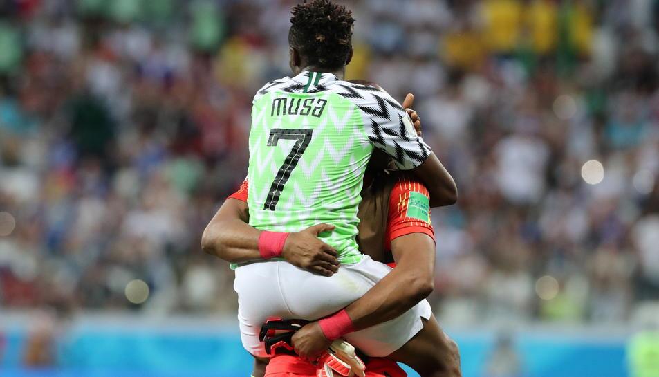Musa va ser l'autor dels dos gols de Nigèria.