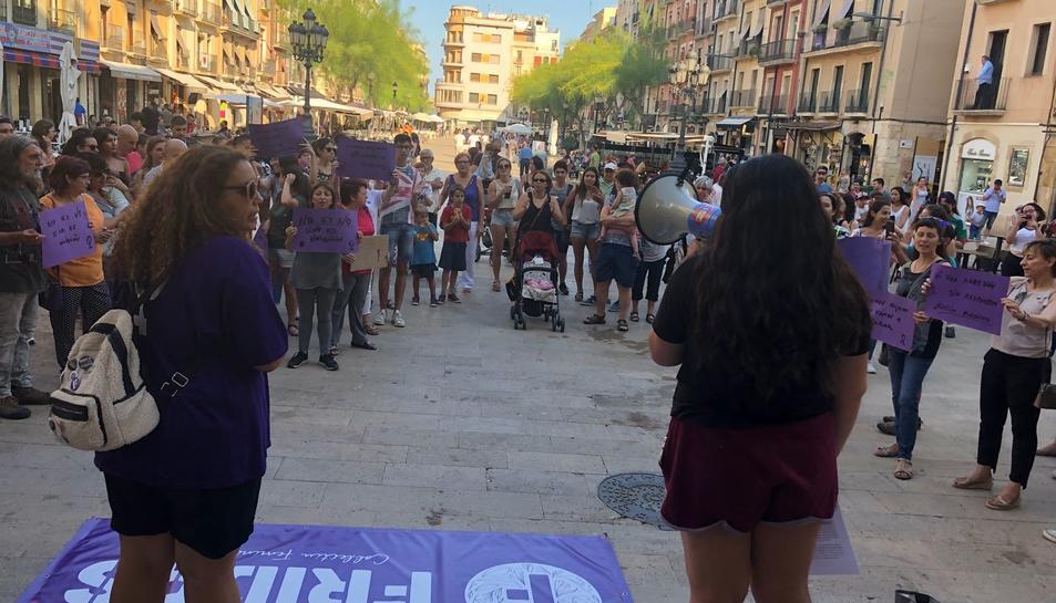 Imatge de la concenració a la plaça de la Font.