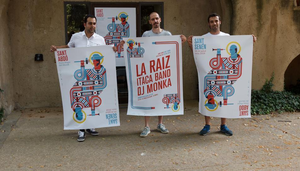 Eloi Calbet, i els tècnics de Cultura, Festes i Joventut, David Ayza i Oriol Figueras durant la presentació de la Festa Major.