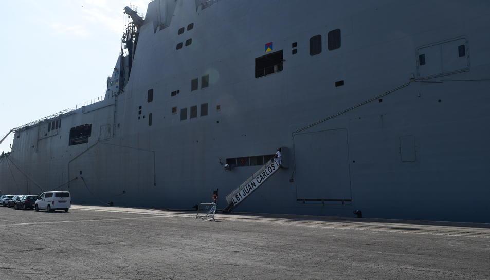 El vaixell és enorme.