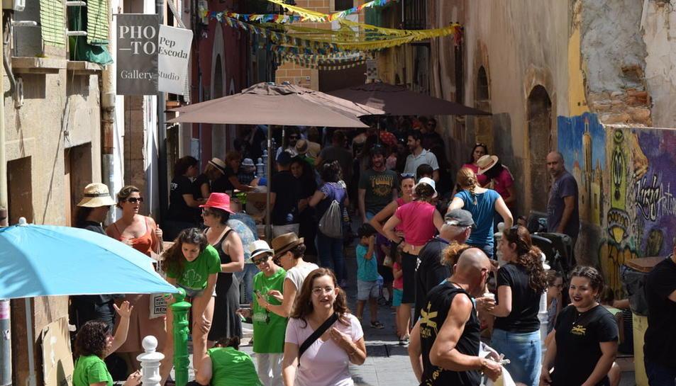 El carrer Comte s'ha omplert de petits i grans pintors