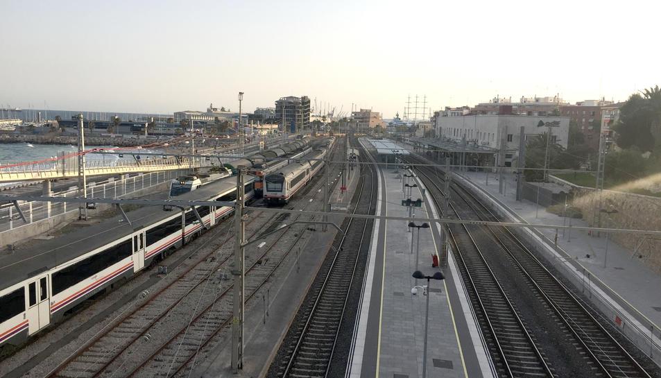Imatge de l'estació de trens de Tarragona, per on continuarien passant els trens de mercaderies.
