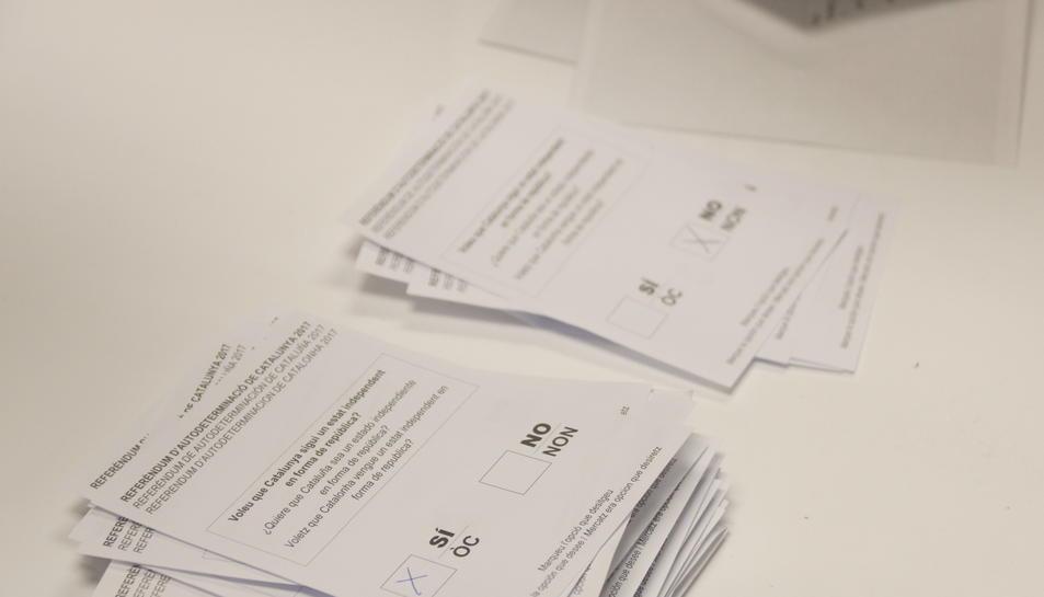 Imatge de les paperets del referèndum de l'1-O.
