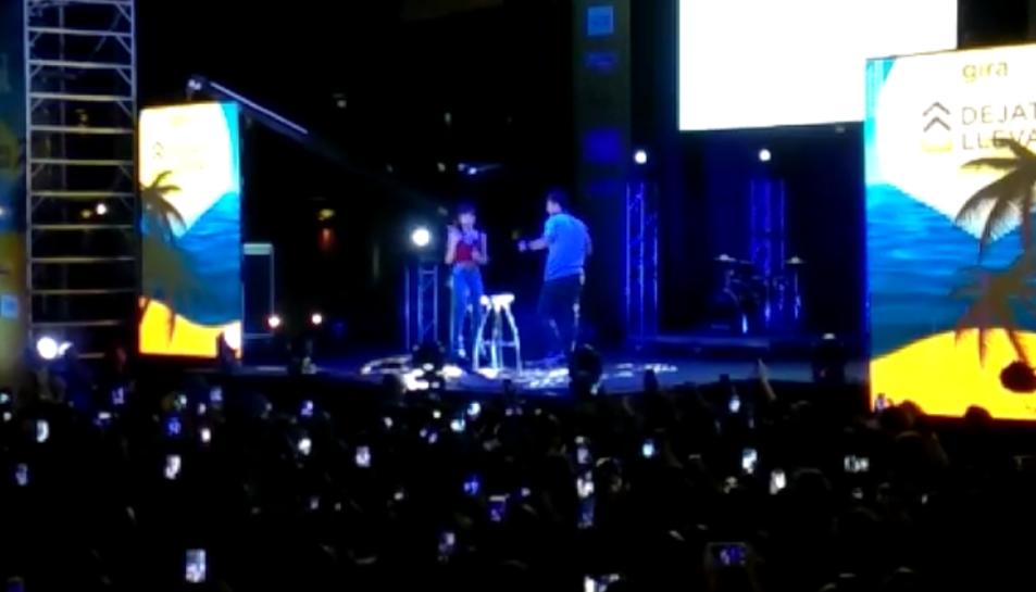 Aitana y Cepeda, al concert de la gira 'Déjate Llevar' de Cadena Dial a Segur de Calafell.