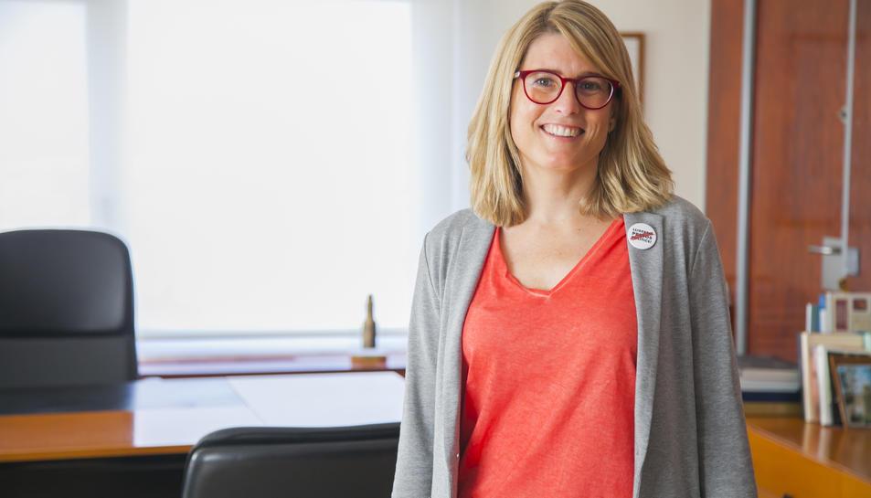 La consellera de Presidència de la Generalitat al despatx del delegat del Govern a Catalunya, càrrec que serà nomenat dimarts.