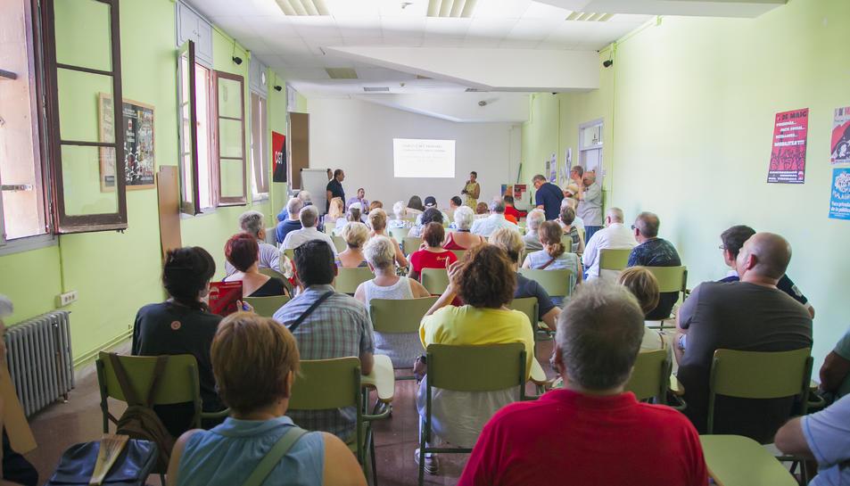 Afectats d'iDental de Tarragona va mantenir una reunió amb una advocada recentment.