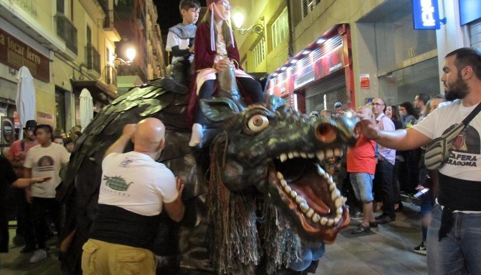 «La Cucafera baixa» se celebra des de l'any 2014 per Santa Tecla.