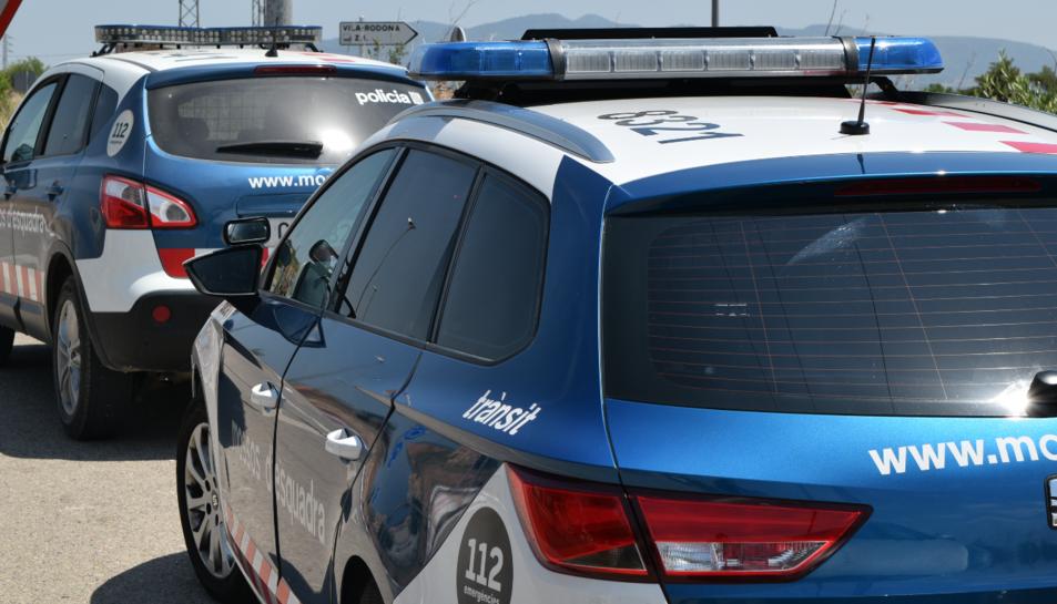 La sospitosa acumulava cinc detencions per delictes com amenaces, danys, estafes bancàries o robatori.