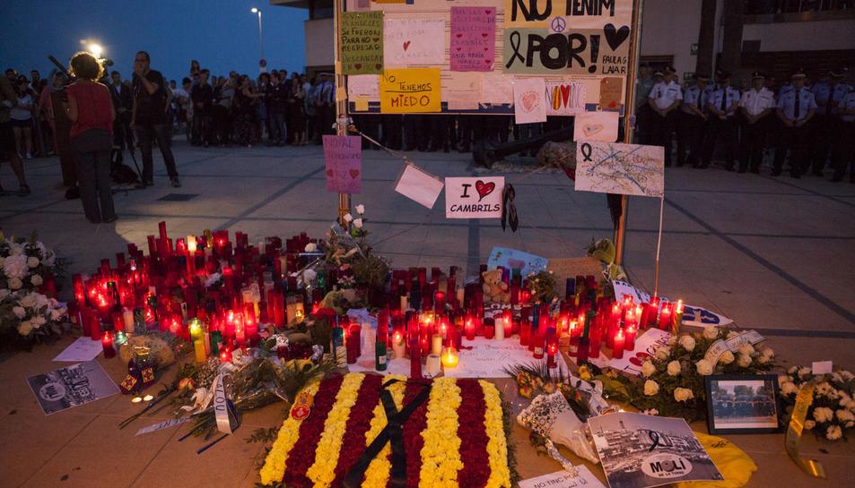 El Memorial per la Pau s'instal·larà al mateix lloc on nombroses persones van deixar ofrenes i missatges en homenatge a les víctimes de forma espontània.