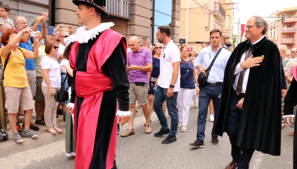 El president de la Generalitat, Quim Torra, passejant per Tortosa durant la Festa del Renaixement.