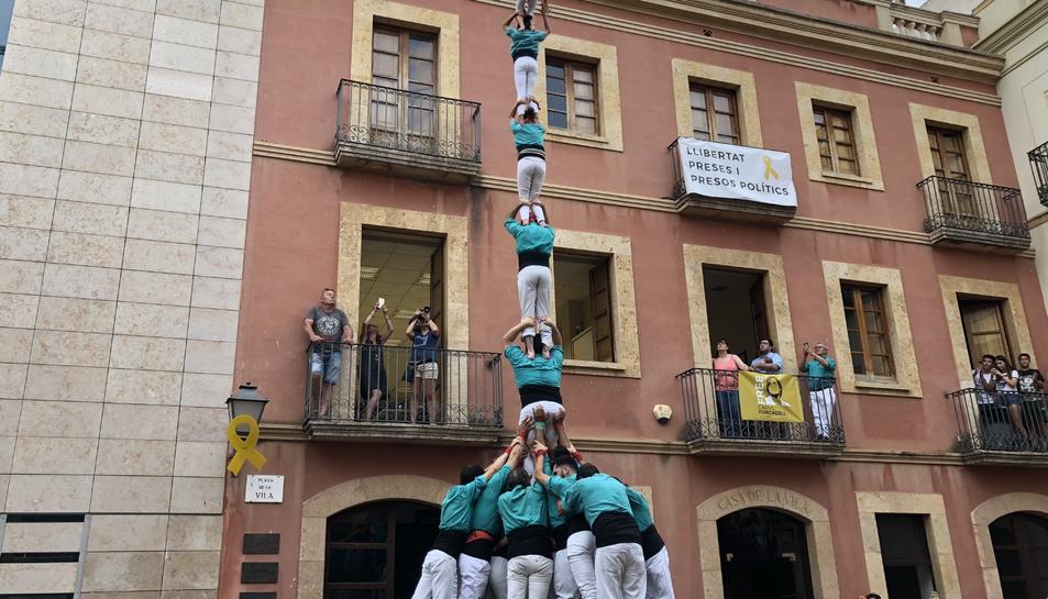 Pilar de 7 amb folre de la Colla Castellera de Sant Pere i Sant Pau al Catllar