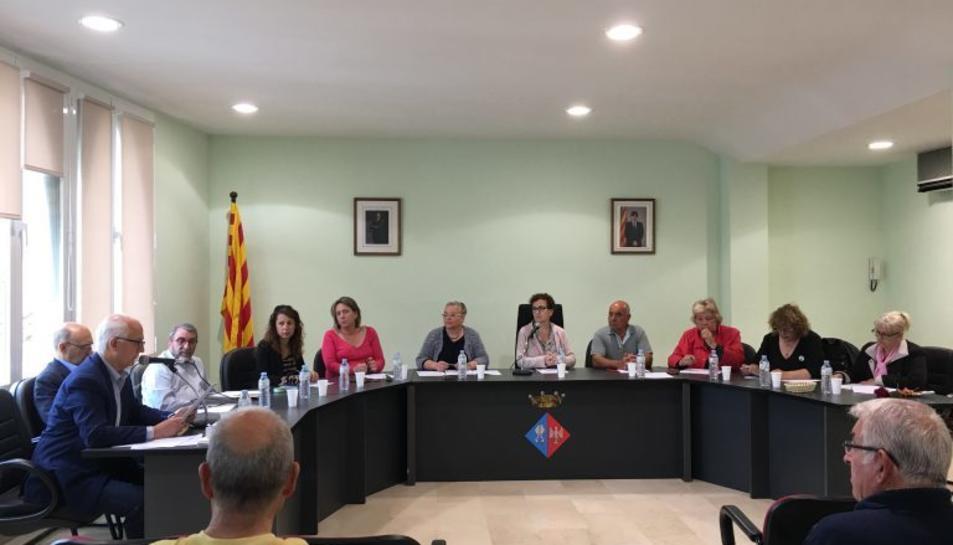 Imatge d'arxiu d'un ple de l'Ajuntament de la Bisbal del Penedès.