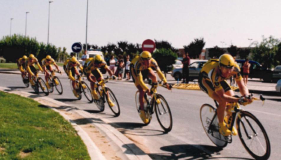 Imatge d'arxiu de la Volta Ciclista a Catalunya l'any 2000 amb final a Vila-seca.