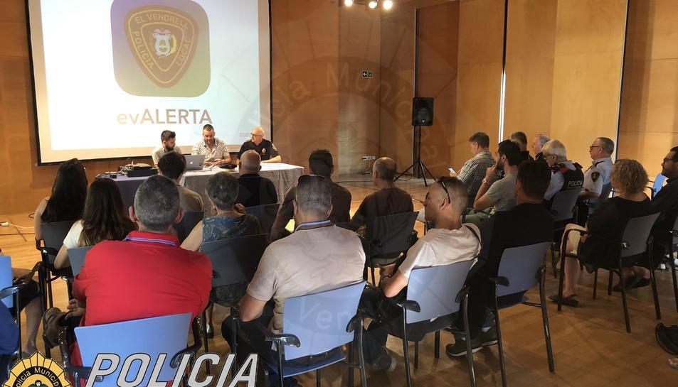 Imatge de l'acte de presentació de l'aplicació evALERTA als mitjans de comunicació.