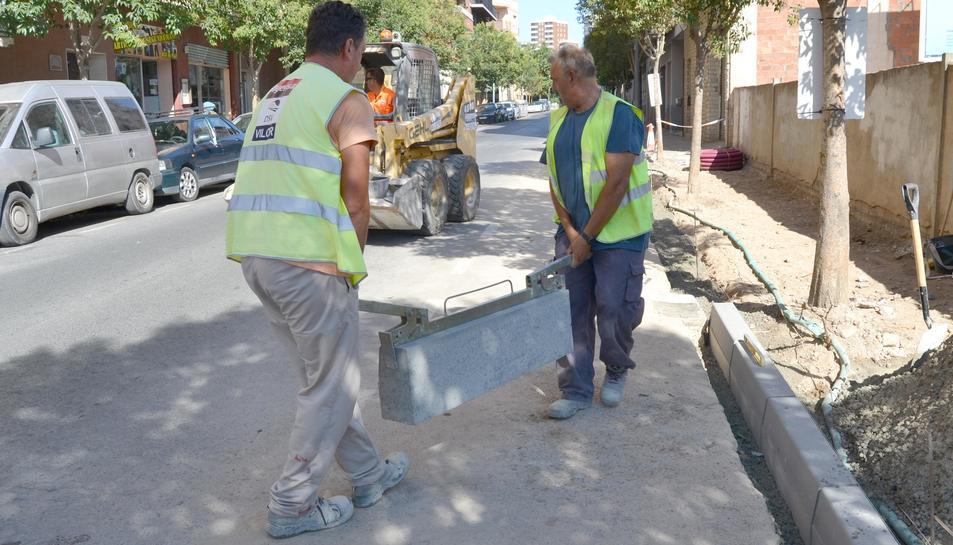 Foto de les obres al carrer de Fabra i Ribes.