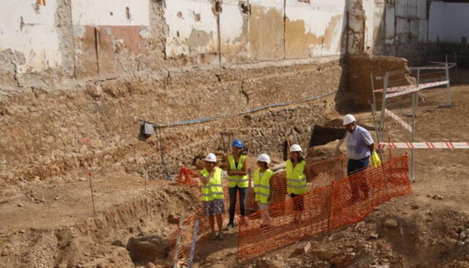 El solar de l'antiga caserna de la Guàrdia Civil de Tarragona excavat.