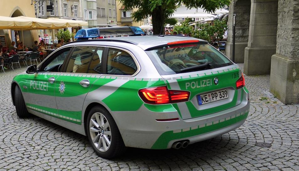 Imatge d'arxiu d'un vehicle de la policia alemanya.