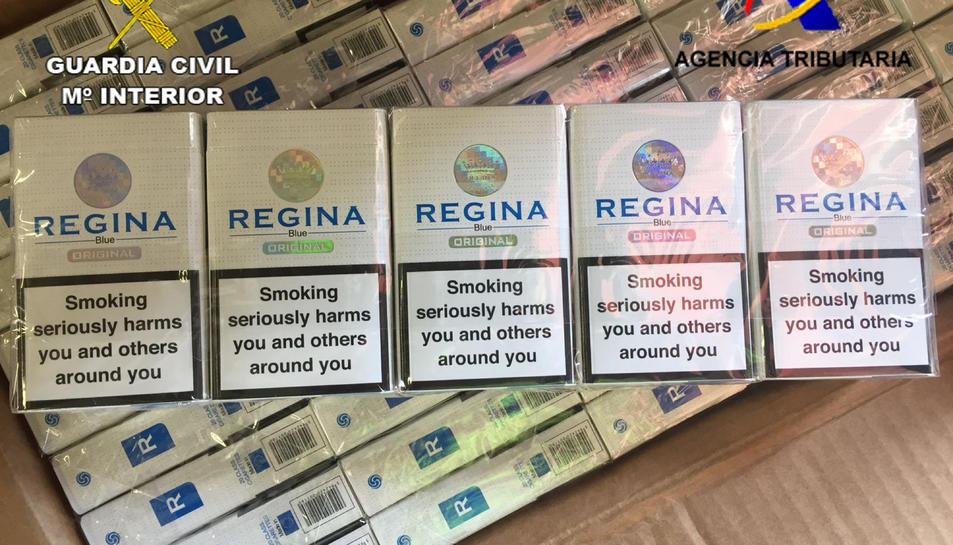 Alguns dels paquets de tabac de contraban intervinguts al Port de Barcelona.
