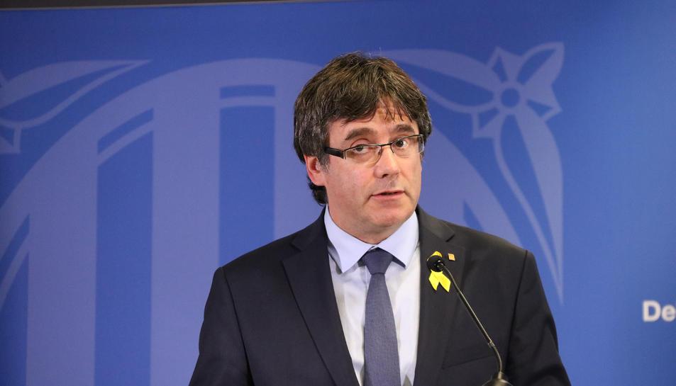 L'expresident Carles Puigdemont durant la roda de premsa a la Delegació de la Generalitat davant la UE.