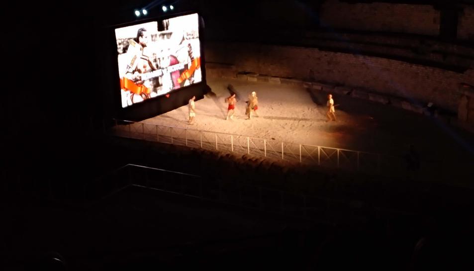 Un dels tres combats que es van veure sobre l'arena de l'Amfiteatre
