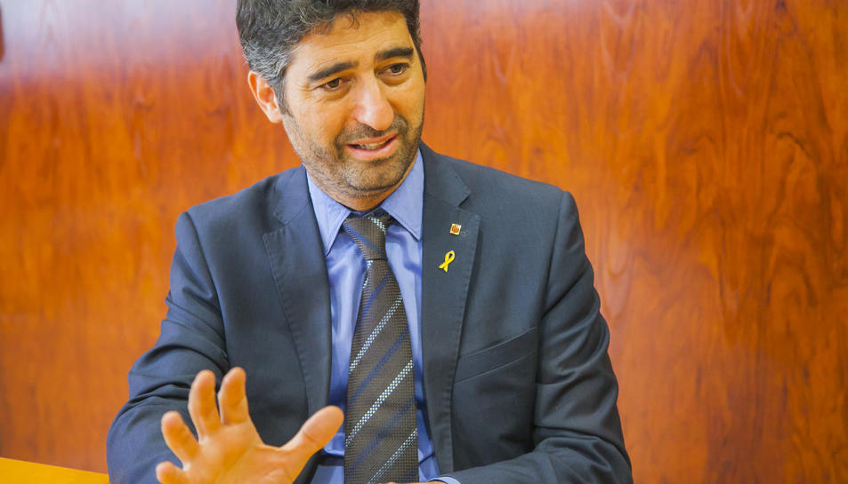 Jordi Puigneró durant l'entrevista a la seu de la delegació del Govern de la Generalitat a Tarragona.