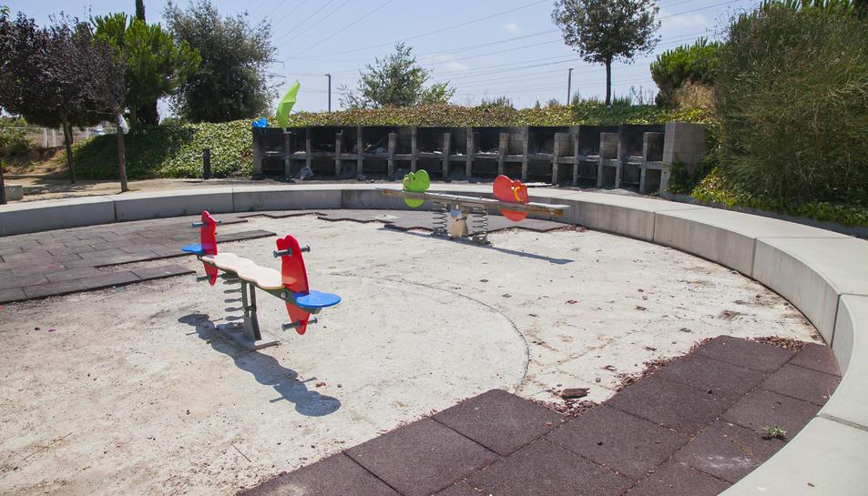 La zona per a nens del parc