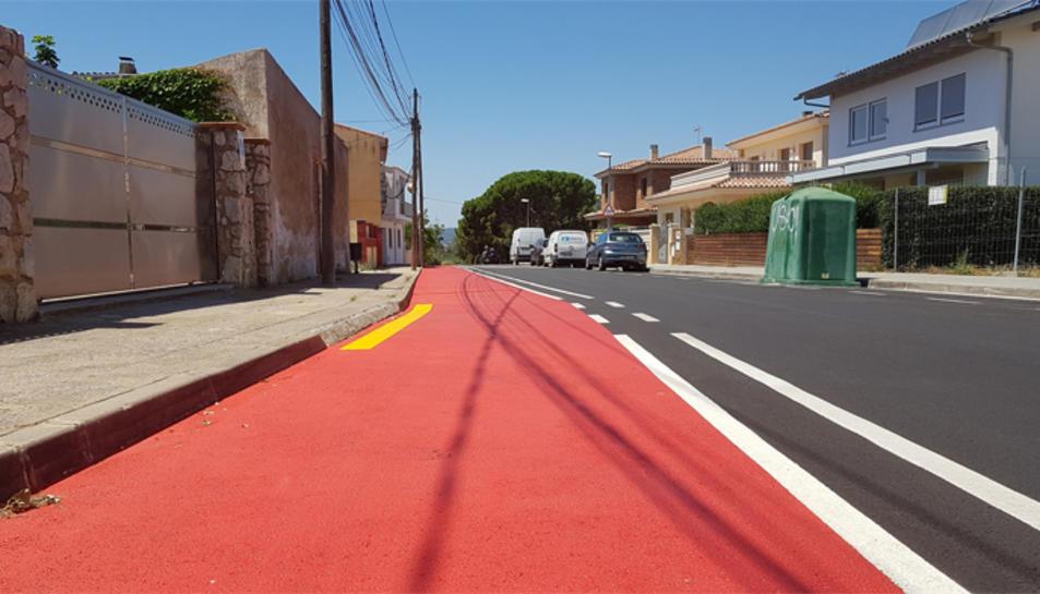 La via s'ha pintat a l'avinguda del Priorat i s'ha de senyalitzar.