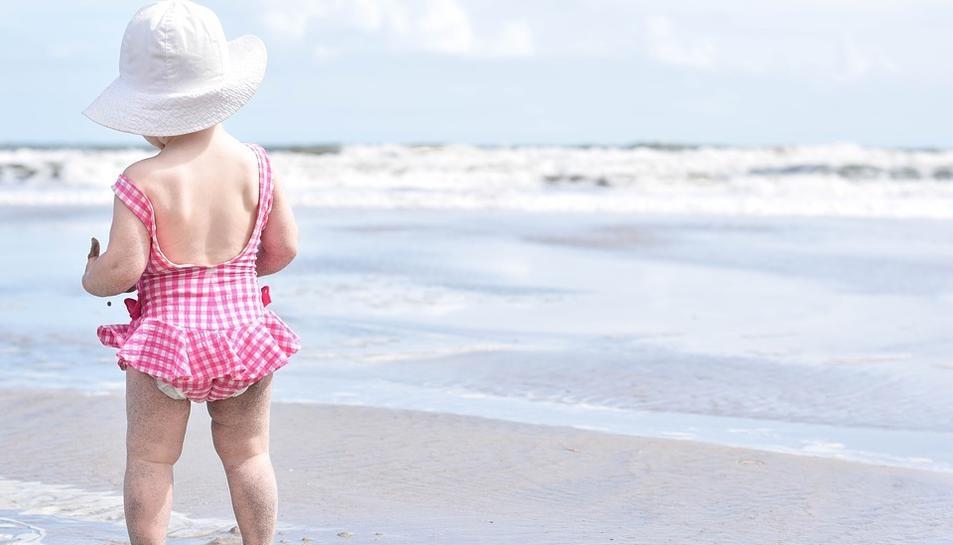 Protegir-se del sol és clau per evitar pujades intenses de temperatura.