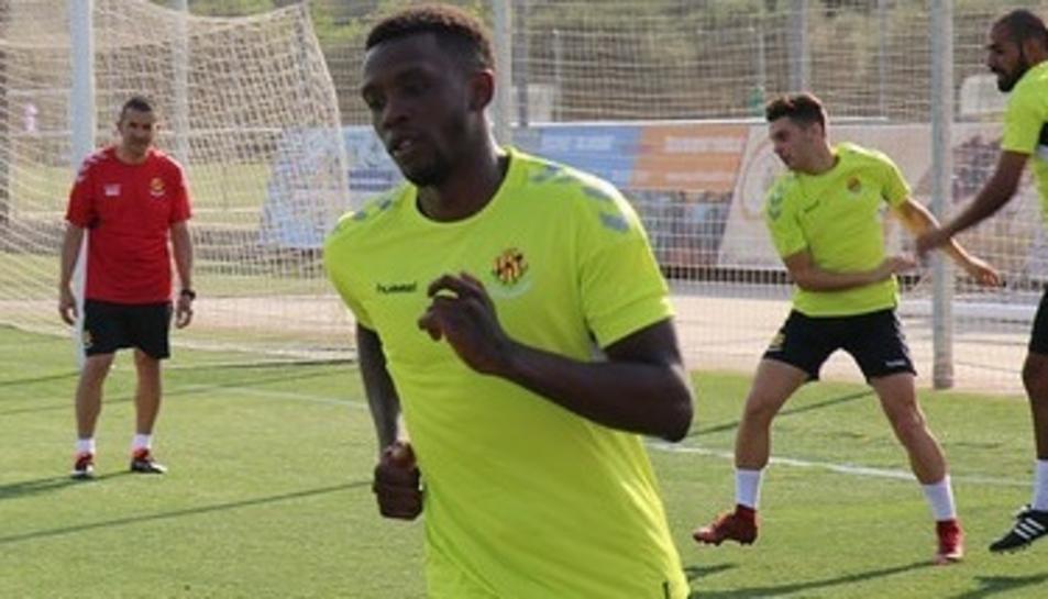 El jugador va jugar la temporada passada cedit a l'Atlético de Madrid B.