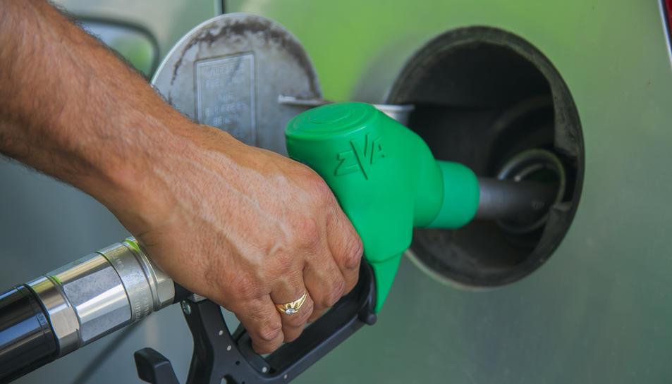 La província de Tarragona es va situar com la divuitena d'arreu de l'Estat on resultava més car posar gasolina.