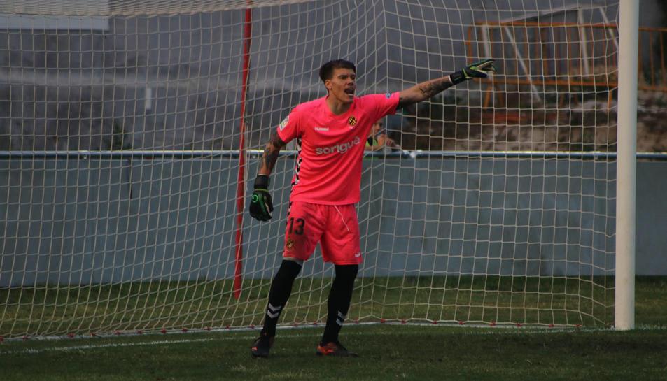 Becerra, el nou porter del Nàstic, s'enfrontarà a l'Espanyol, on va iniciar la seva formació.