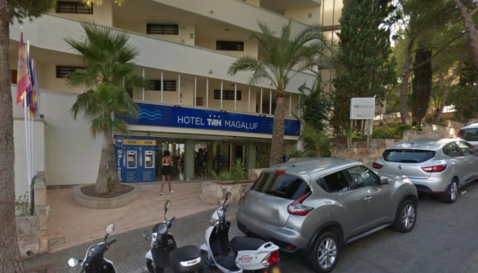 Imatge de l'entrada a l'hotel on han tingut lloc els fets.