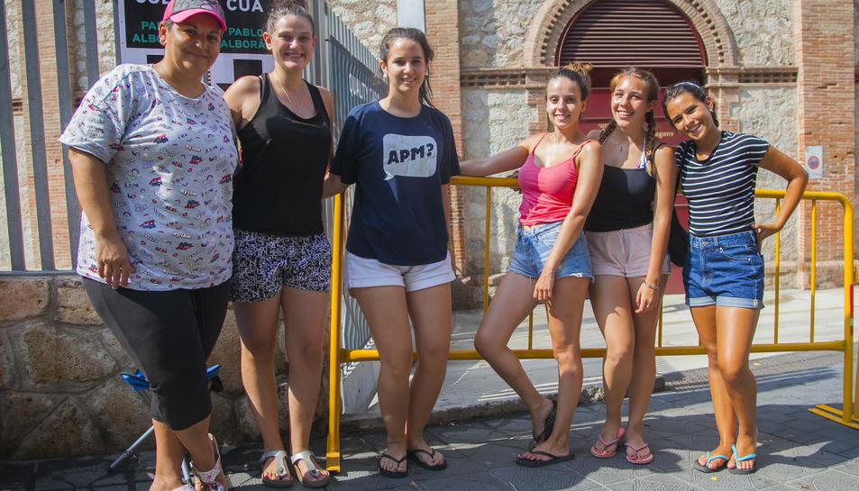 Un grup de fans d'Alborán, que ja es coneixien de concerts anteriors.