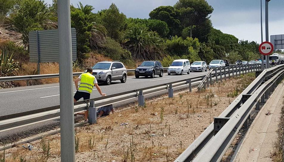 L'accident ha tingut lloc a l'A-7 prop de la sortida de Sant Pere i Sant Pau.