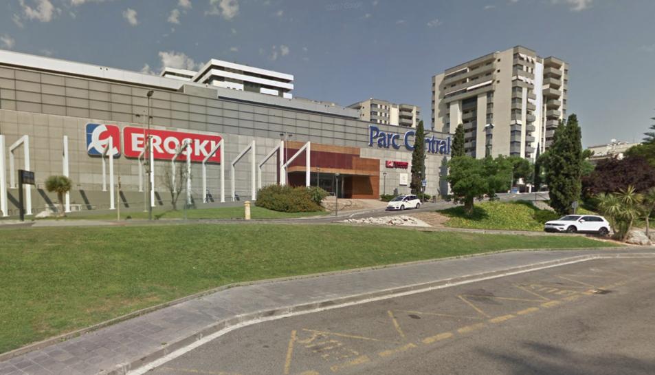 L'emblemàtic logotip d'Eroski desapareixerà de la façana del Parc Central.