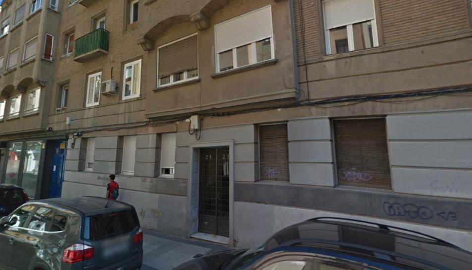 Imatge de l'edifici del carrer La Paz, Saragossa, on haurien tingut lloc els fets.