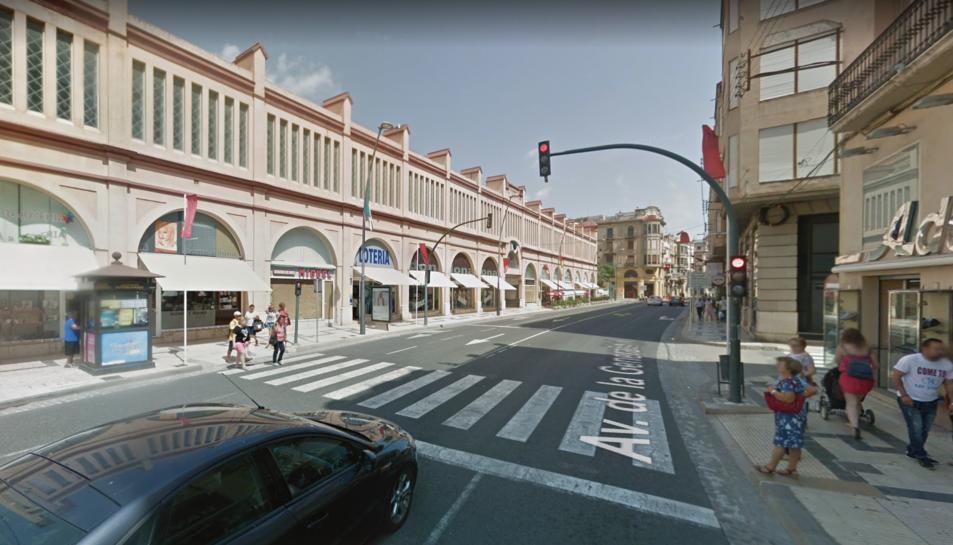 L'avinguda de la Generalitat al seu pas pel Mercat de Tortosa