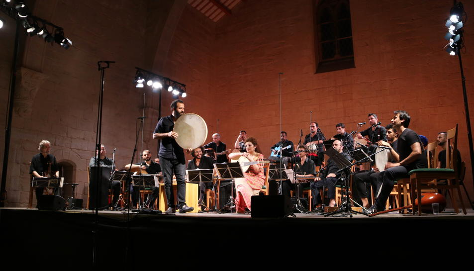 Pla general dels músics d'Orpheus XXI i Hespèrion XXI en el concert inaugural del VI Festival de Música Antiga de Poblet.