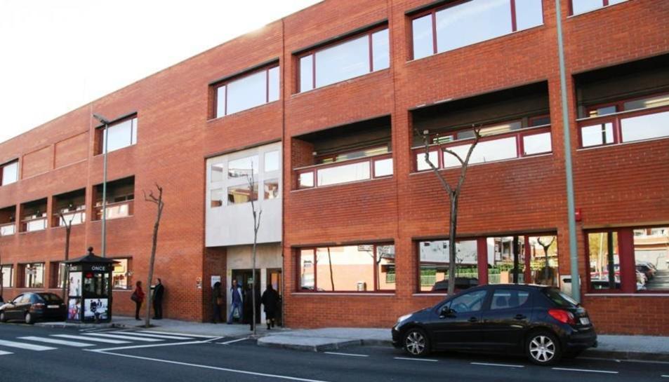 Façana exterior de l'edifici del CAP de Torreforta.