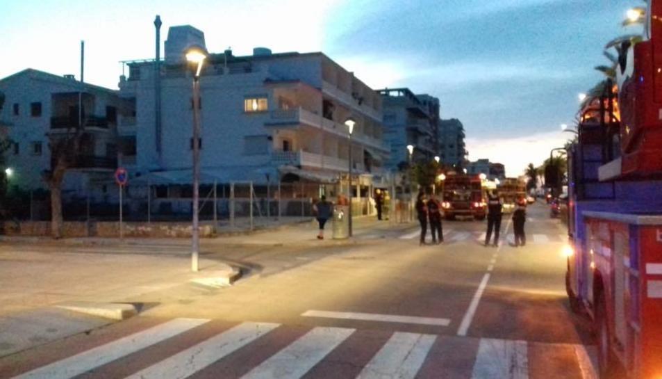 La Policia Local ha evacuat de forma preventiva les persones que viuen a l'edifici número 277 del Passeig Marítim.