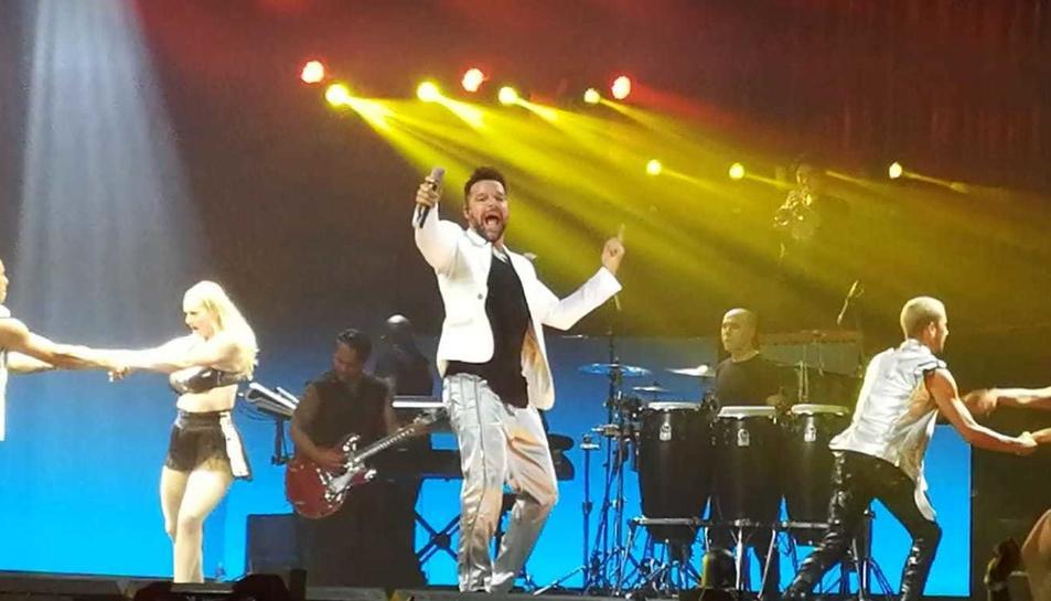 Ricky Martin ho va donar tot en el primer concert de la seva gira espanyola i europea, a la TAP.