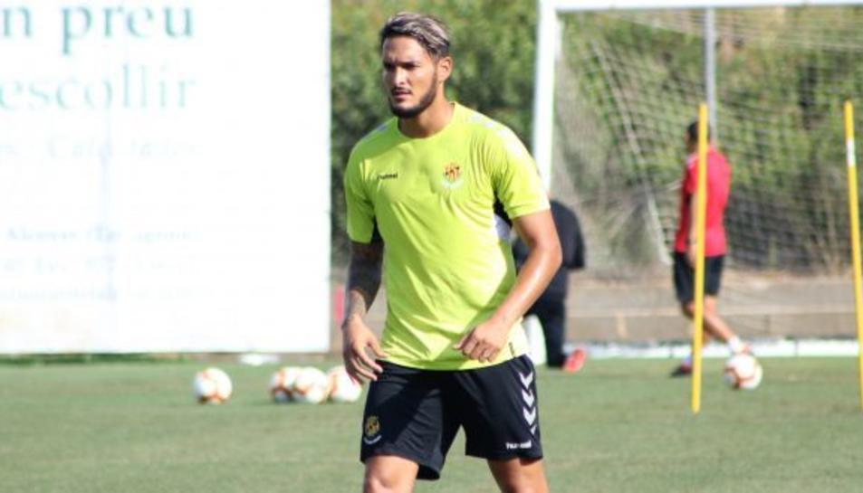 El jugador amb nacionalitat franco-algeriana s'entrenarà amb l'equip grana durant uns dies.