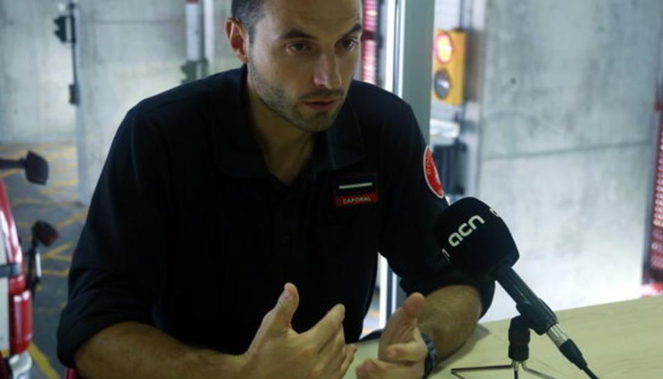 Pla mig del caporal dels Bombers de Barcelona Sergi Martínez.