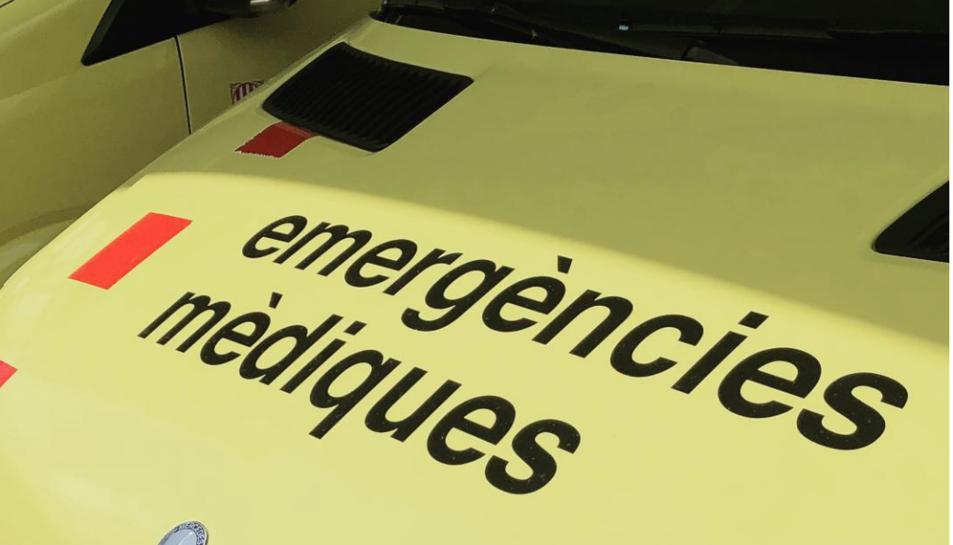 Una ambulància del SEM ha traslladat al ferit a l'Hospitla Sant Joan de Reus.