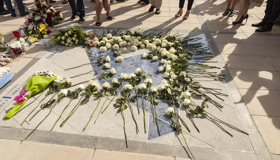 L'homenatge a les víctimes de Cambrils