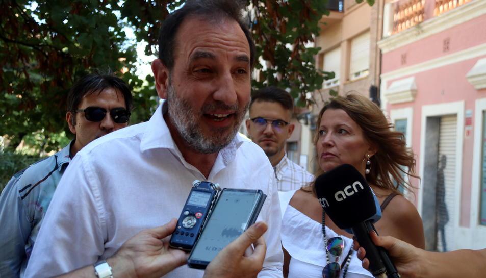El secretari general d'Units per Avançar, Ramon Espadaler, atenent els mitjans de comunicació.