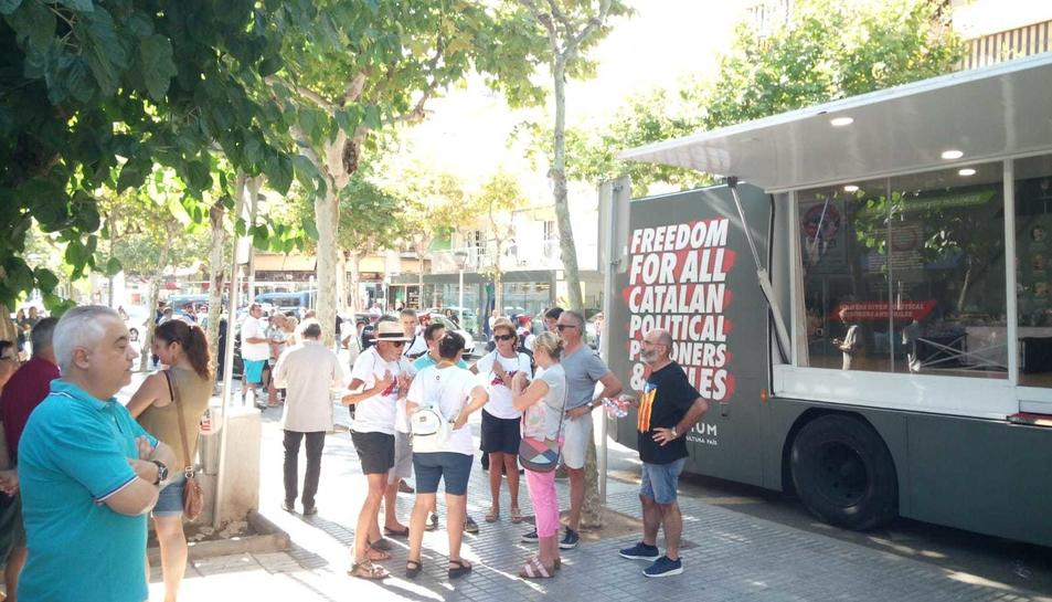 L'autobús d'Òmnium Cultural