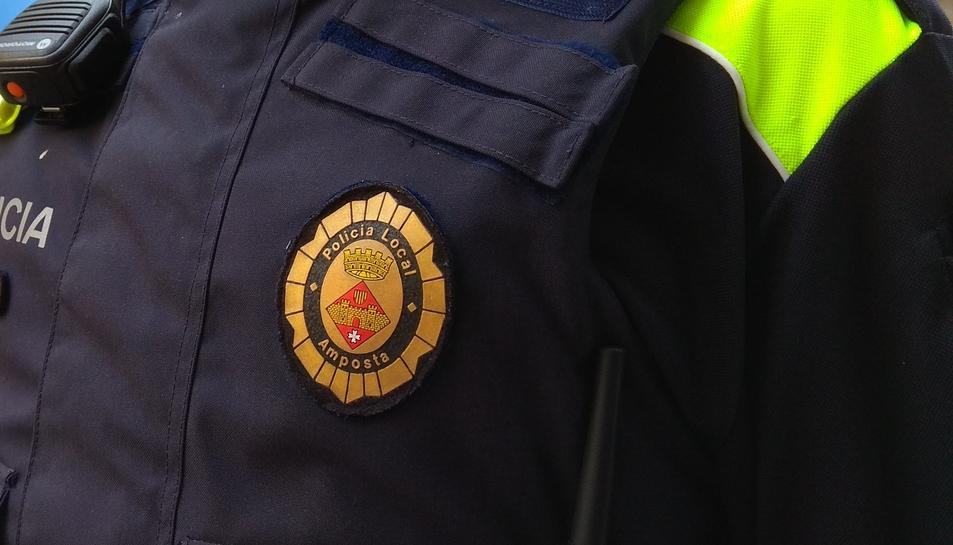 La Policia Local ha detingut a un dels autors gràcies a la col·laboració ciutadana.