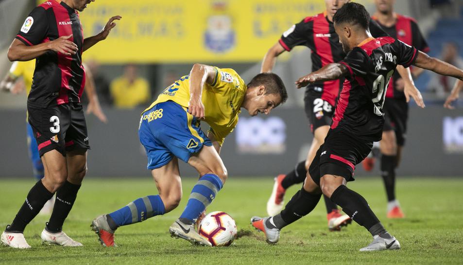 La Unión Deportiva Las Palmas es va acabar imposant a un CF Reus Deportiu molt afectat pel gran nombre de baixes.