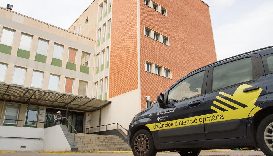 Una imatge d'arxiu de l'entrada principal a l'edifici del Centre d'Atenció Primària.